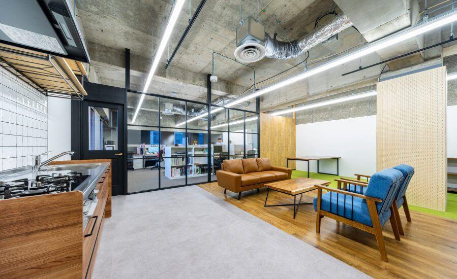 オフィスデザイン事例|リスクキャリア株式会社 _顧客がイメージしやすい空間を再現したオフィス
