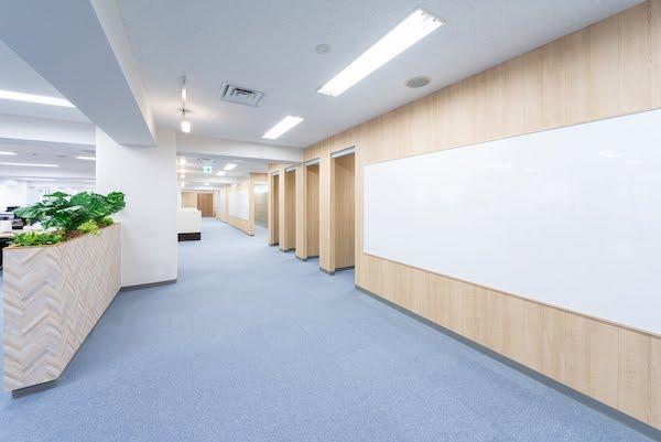 株式会社Payke_執務室_廊下