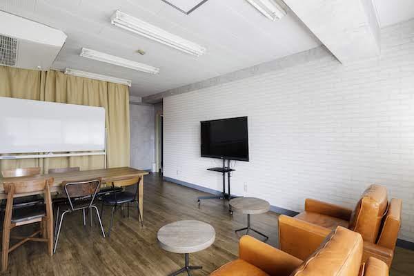 オフィスデザイン事例|合同会社ファニプロ5