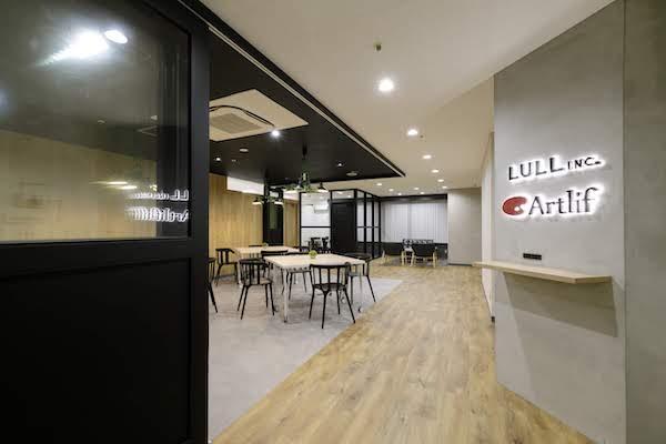 オフィスデザイン事例|株式会社トリニアス 2
