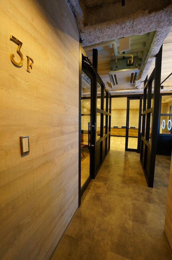 オフィスデザイン事例|VENUS株式会社13