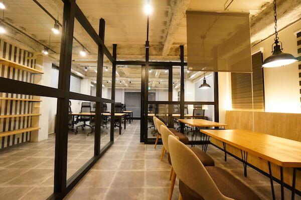 オフィスデザイン事例|VENUS株式会社7