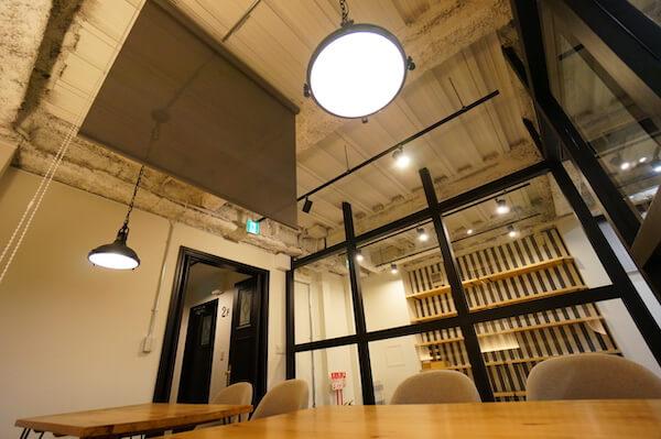 オフィスデザイン事例|VENUS株式会社8