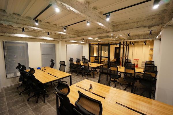 オフィスデザイン事例|VENUS株式会社5
