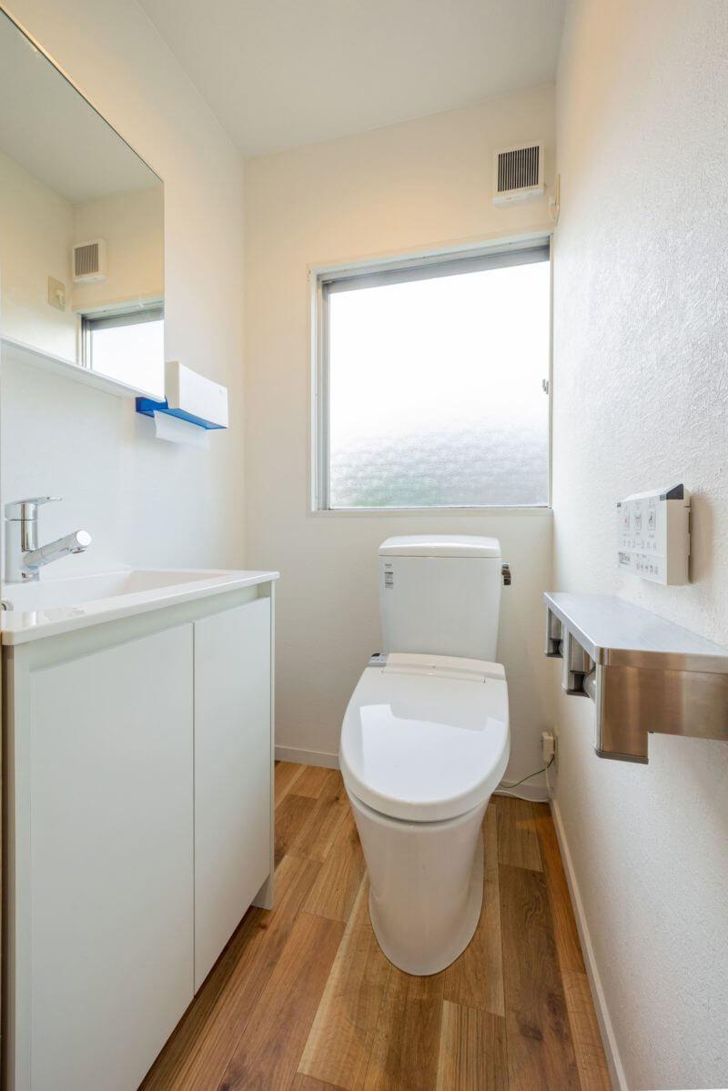 清潔感たっぷりのトイレ
