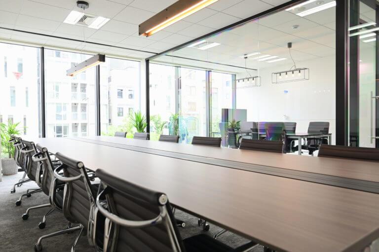 大きめの会議室