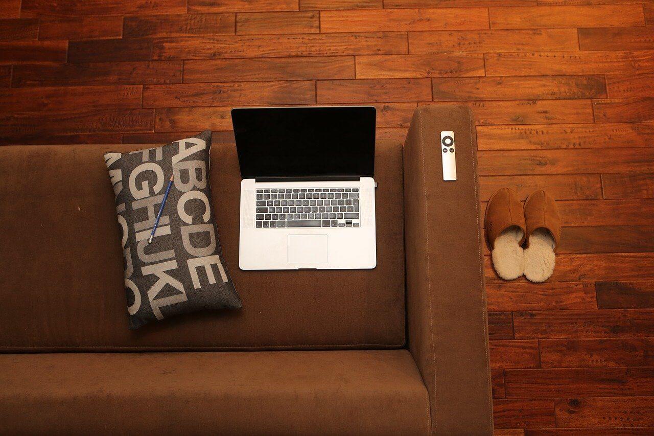仕事場と家族の憩いの場が隣り合わせになっている点に注意する