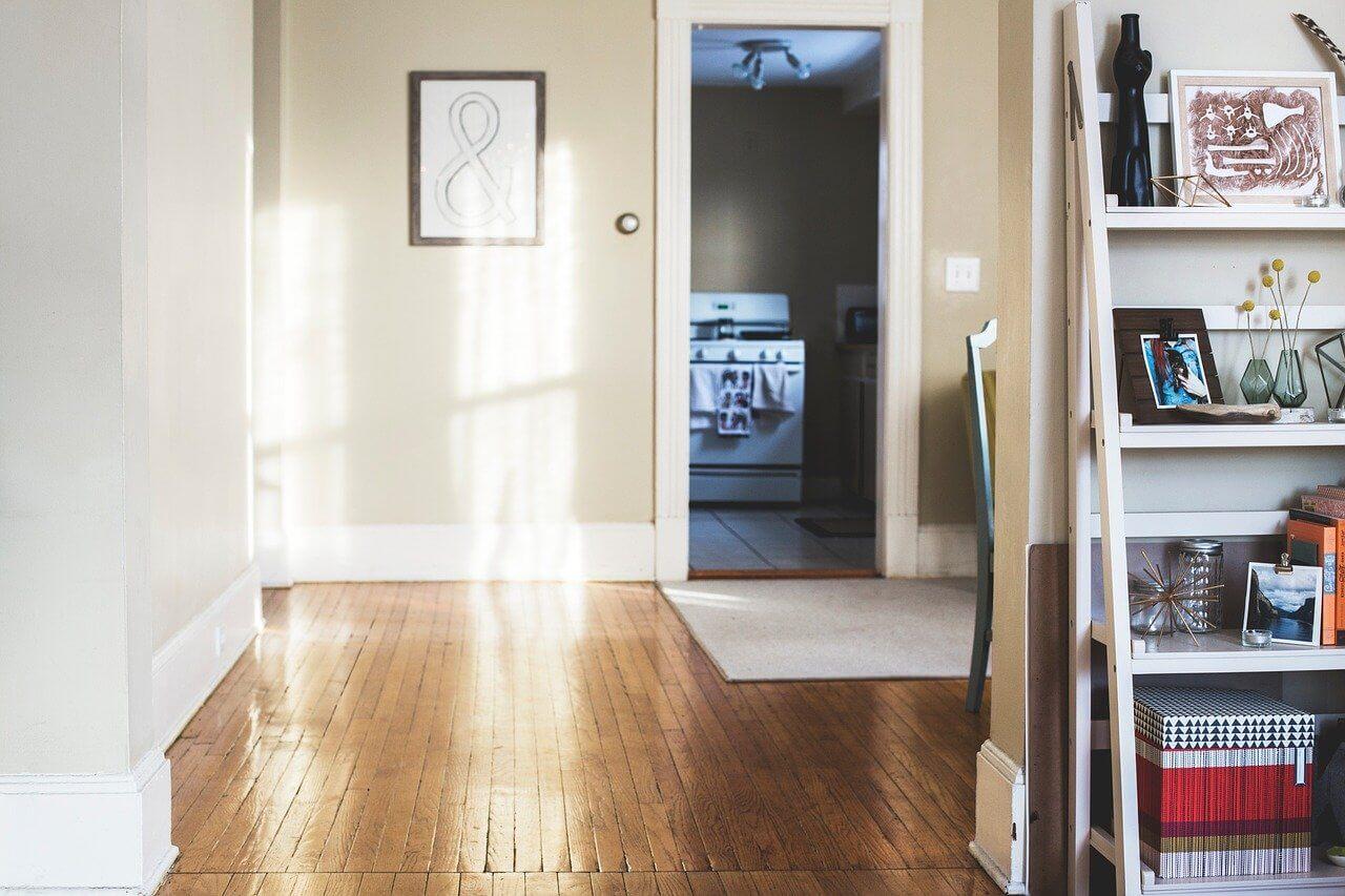 壁や床の傷みは自然な感じで速やかに直す