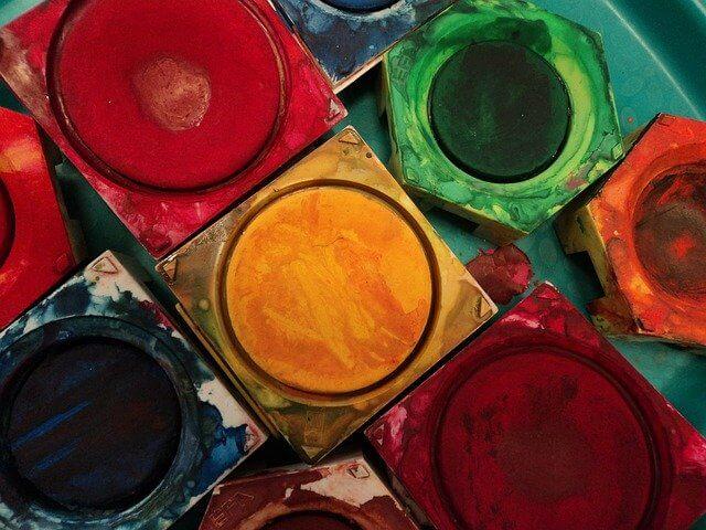 色と素材がもたらす居心地の良さ