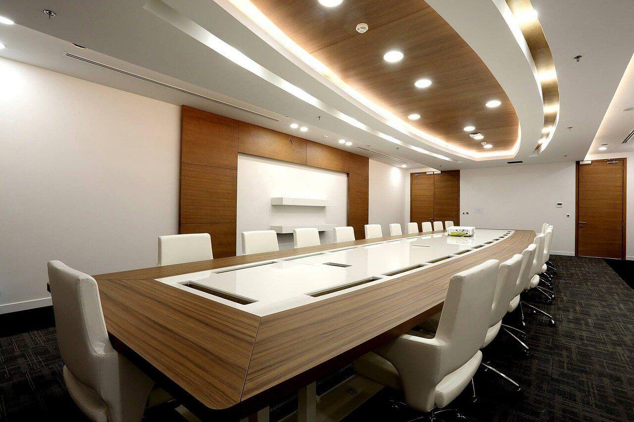 実用性重視の会議室