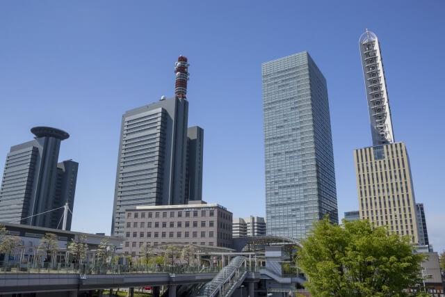 さいたま新都心駅周辺にはオフィスビルが多い