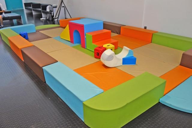 子供同伴で出勤できるオフィスデザイン例(その3)