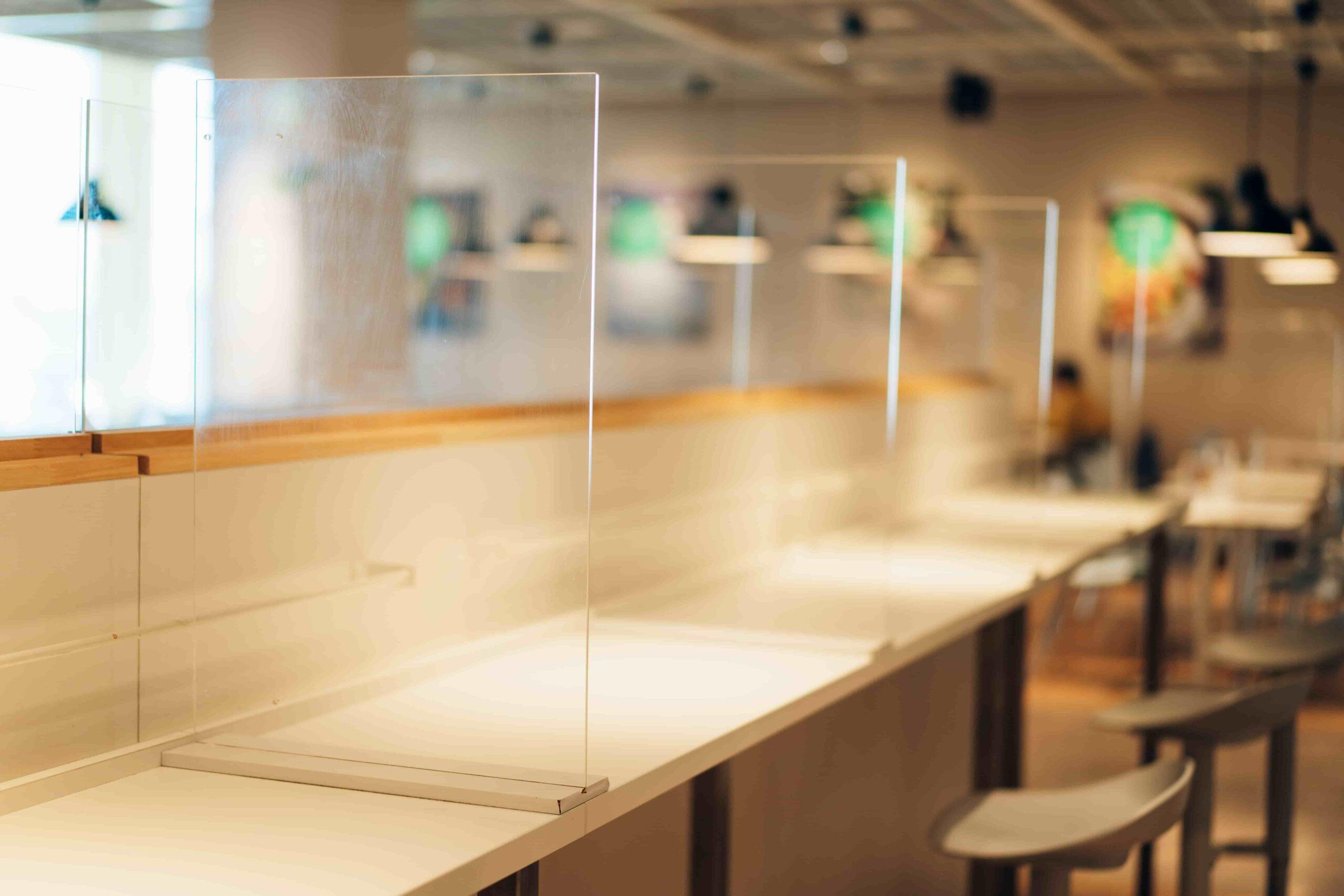 オフィス環境改善ポイント②:個人用のブースを設置する
