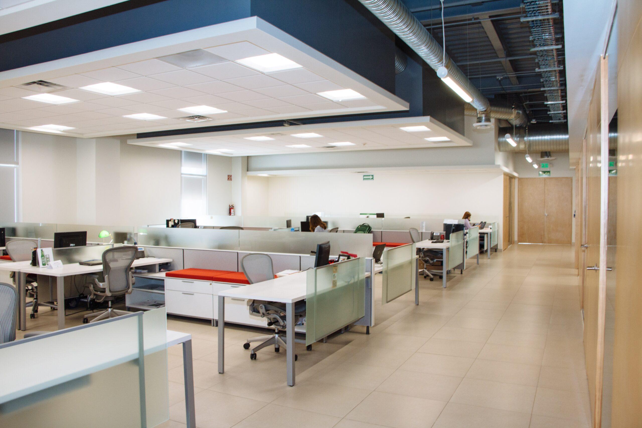 内装デザインがオフィスの雰囲気を作り出す