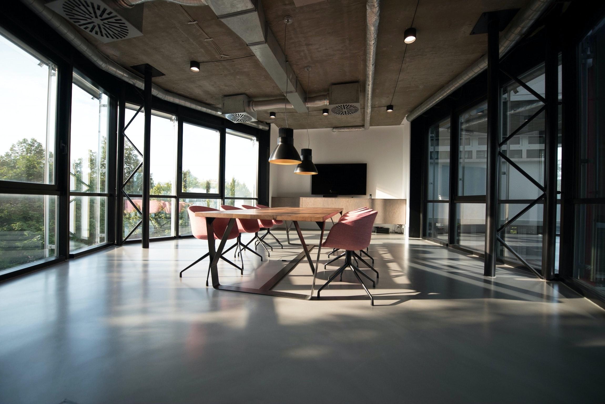 オフィスの内装デザインは業務タイプに合わせて考えよう